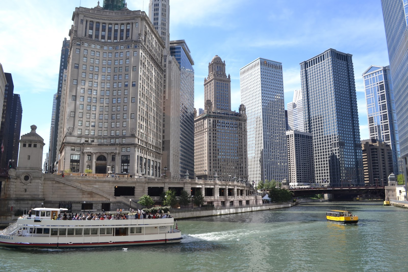 Peachy Keen: A Travel Guide to Chicago! Restaurants, things to see, museums, and more!