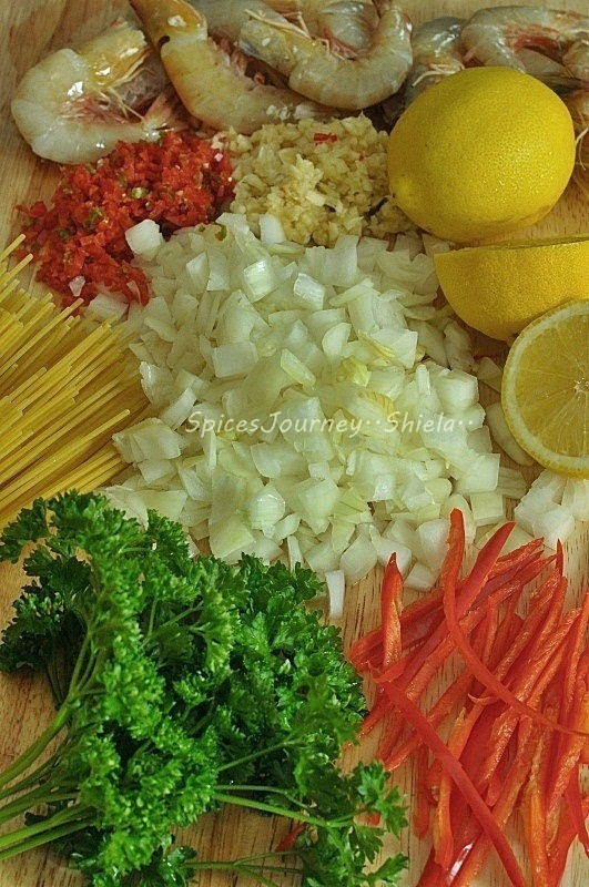 how to make spaghetti prawn olio