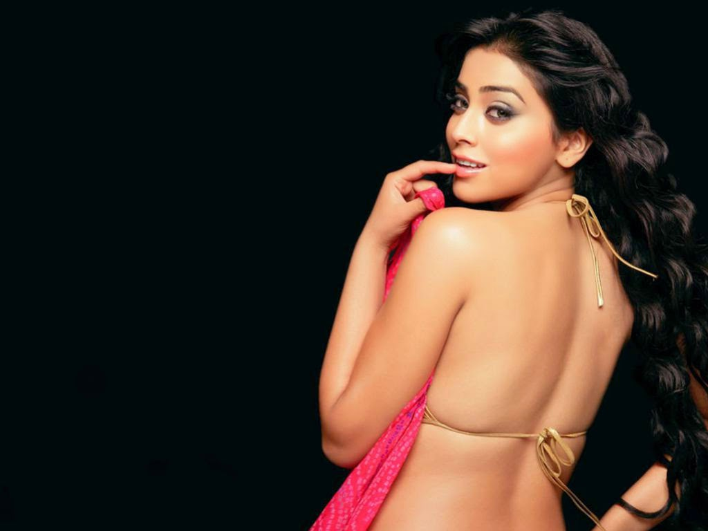 Shriya Saran erotic backless pics