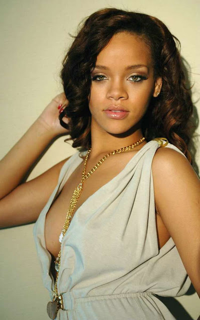 rihanna hottest photo. Rihanna Boobs Hot Sexy