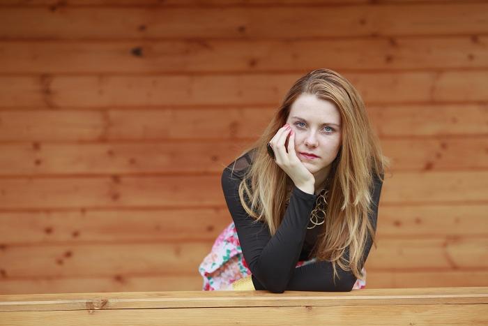 Lucie Srbová, módní blogerka, černé šaty, oasap
