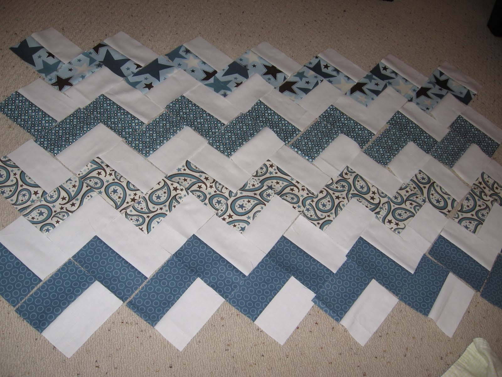 Hello Zig Zag Quilt Pattern : Quilts and Jewels: Zig Zag Quilt