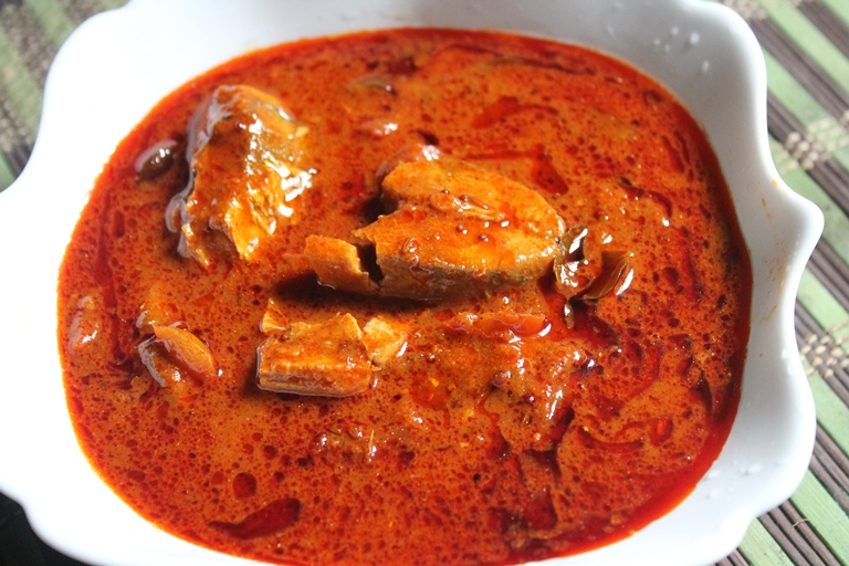 andhra spicy fish curry recipe andhra chepala pulusu