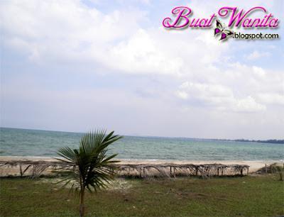 Tempat Menarik Pahang : Pantai Kampung Cherating. Pantai Kampung Cherating Tenang, Nyaman Dan Mendamaikan.