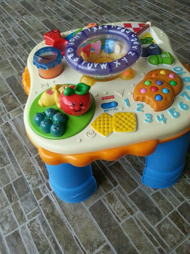 Joys of toy baby stuff preloved fisher price laugh learn activity table - Table activite fisher price ...