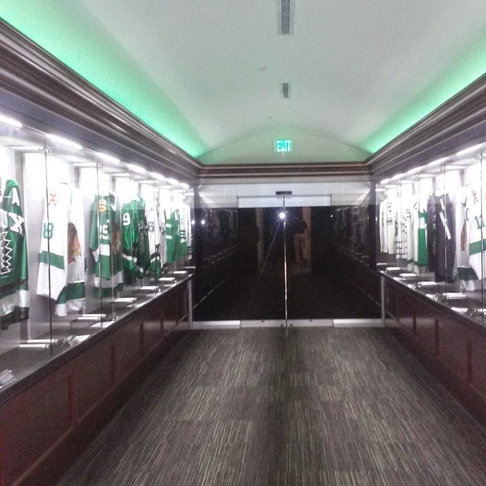 NCHC: File Under 'Gaudy Yet Sterile' - Pictures Of UND's Renovated Locker Room