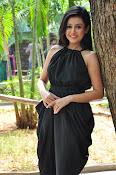 Mishti Chakraborthy latest sizzling pics-thumbnail-16