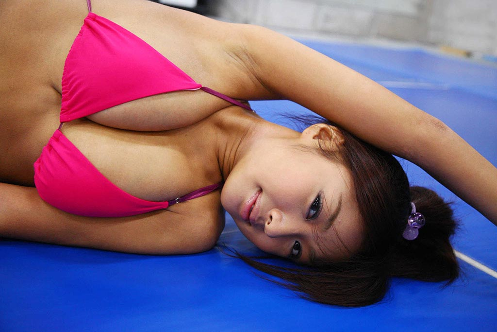 kana tsugihara sexy gym workout 02