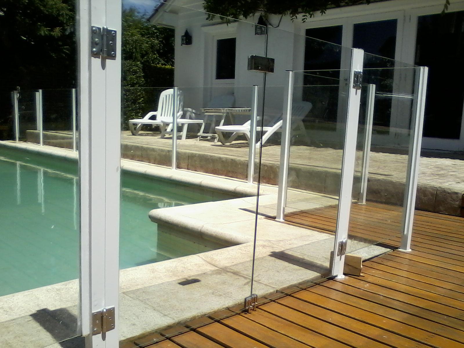 Sergio roveda cercos de vidrio laminado para piscinas - Vidrio para piscinas ...