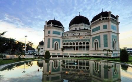 Tempat Bersejarah di Indonesia - Masjid Raya Medan