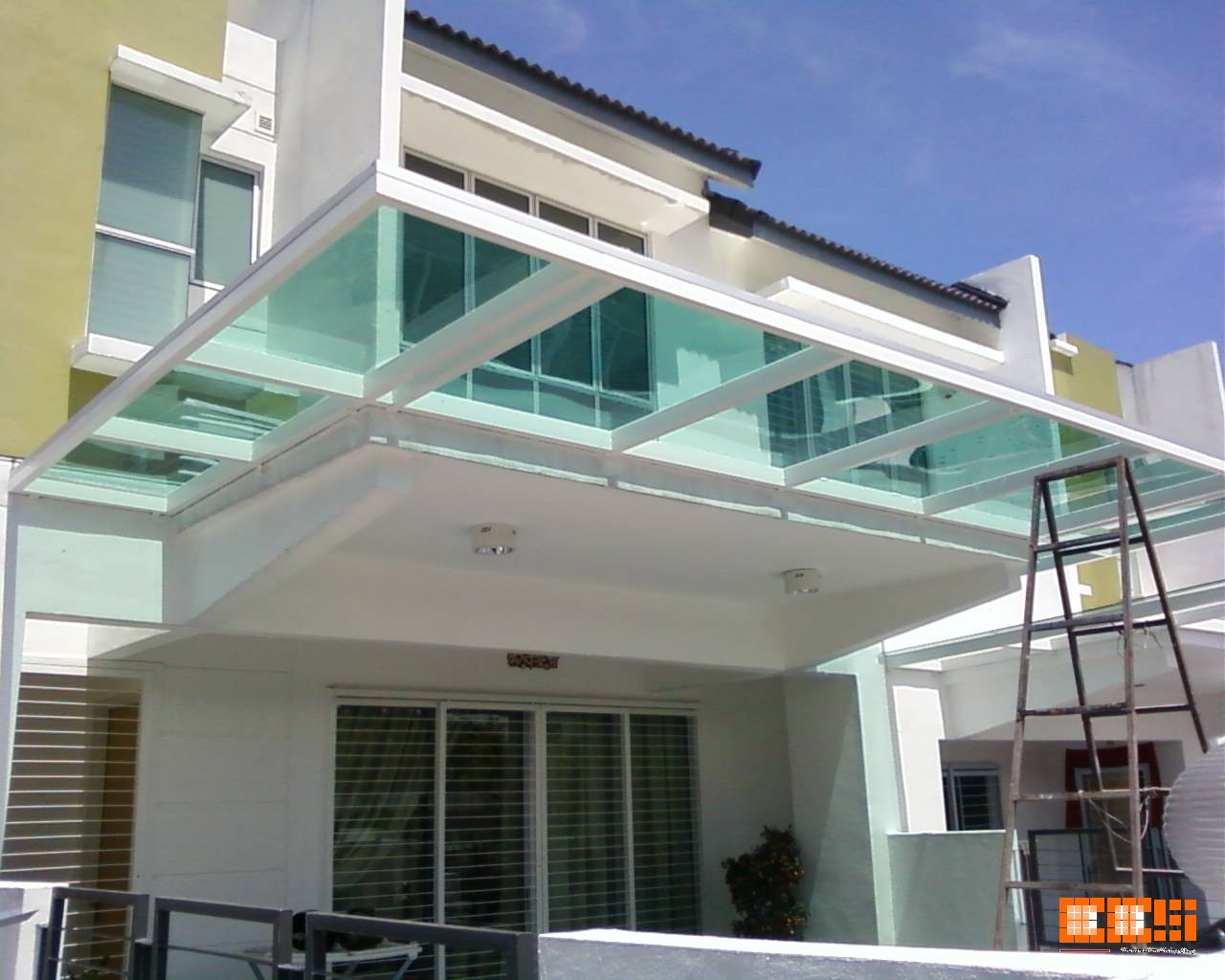Lkn one stop centre pergola glass - Glas pergola ...