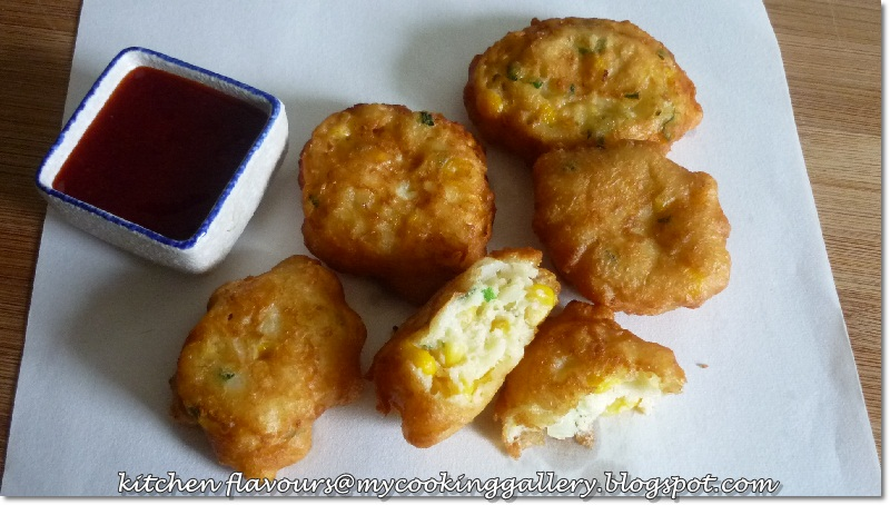 kitchen flavours: Crispy Corn Fritters with Fresh Cilantro