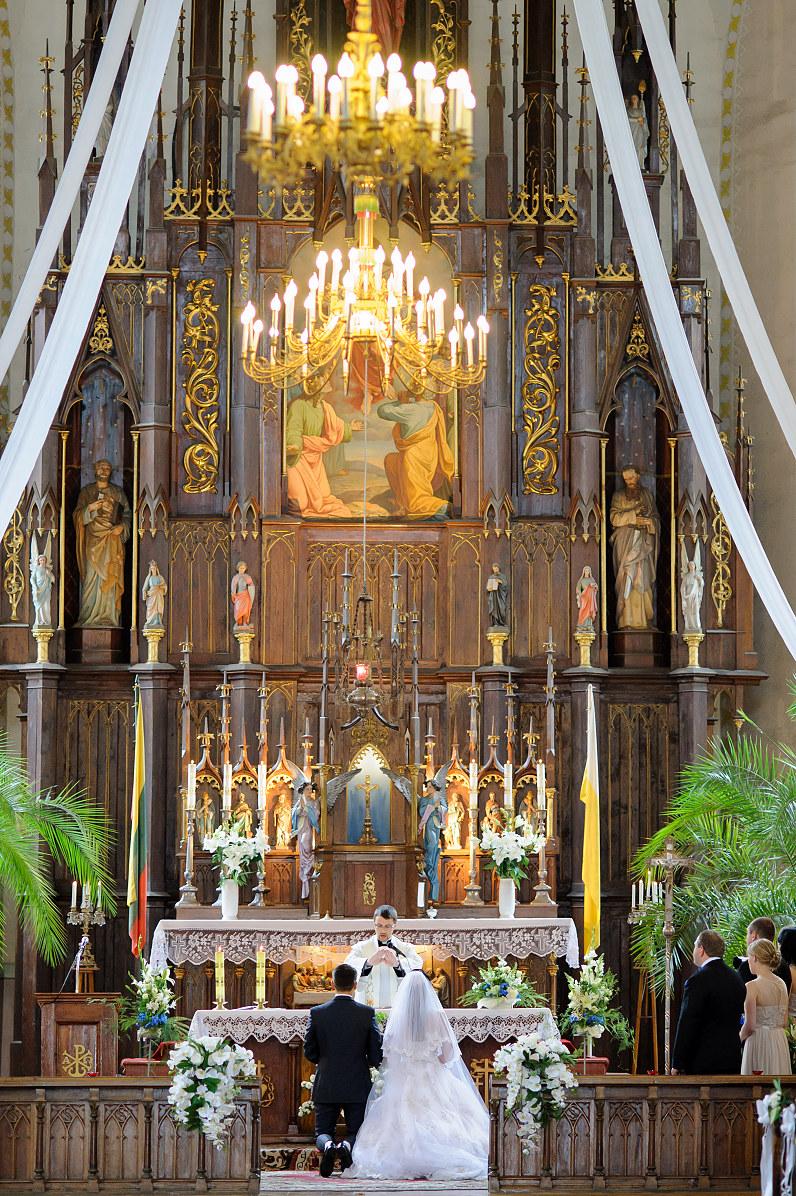santuokos ceremonija bažnyčioje