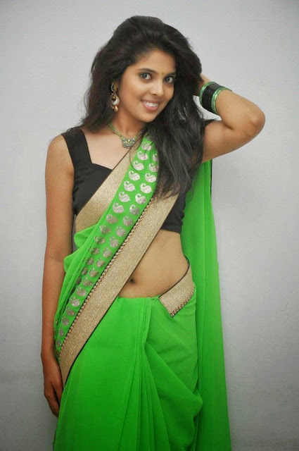 Model shravya reddy Saree Photos