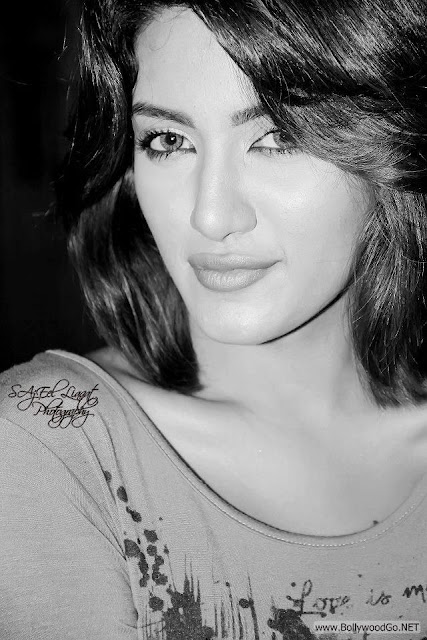 Mathira+hot+%283%29