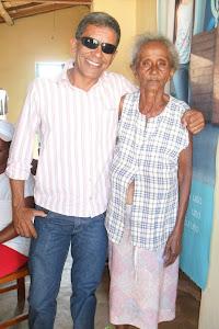 Diretor do José Pires, em visita as famílias de alunos - Santa Luzia.