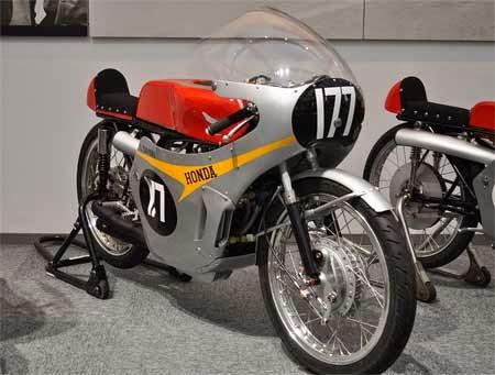 gambar motor Honda RC149