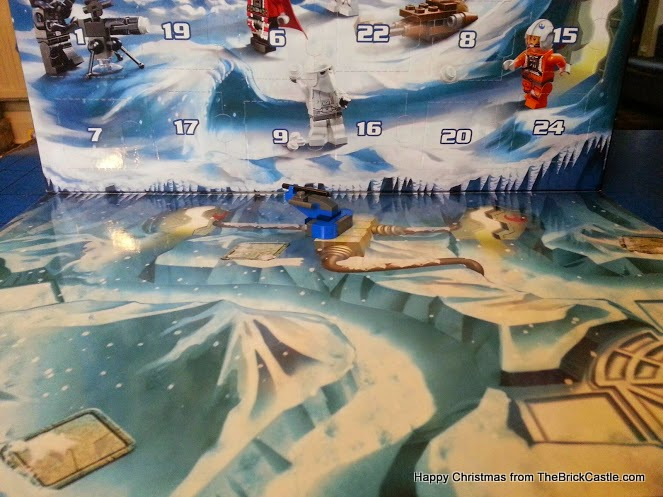 LEGO Star Wars Advent Calendar Day 1 backdrop scenery