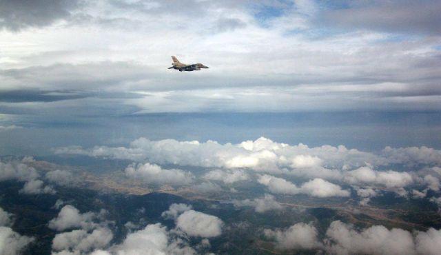 la proxima guerra aviones de combate atacan objetivos frontera siria libano