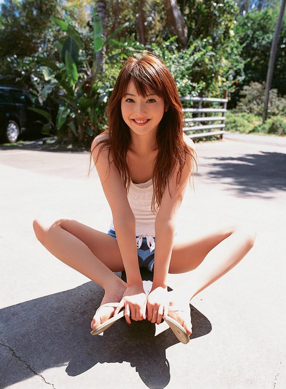 Mỹ nhân Nozomi Sasaki khoe 3 vòng bốc lửa 10
