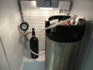 Paintball CO2 tank for keg