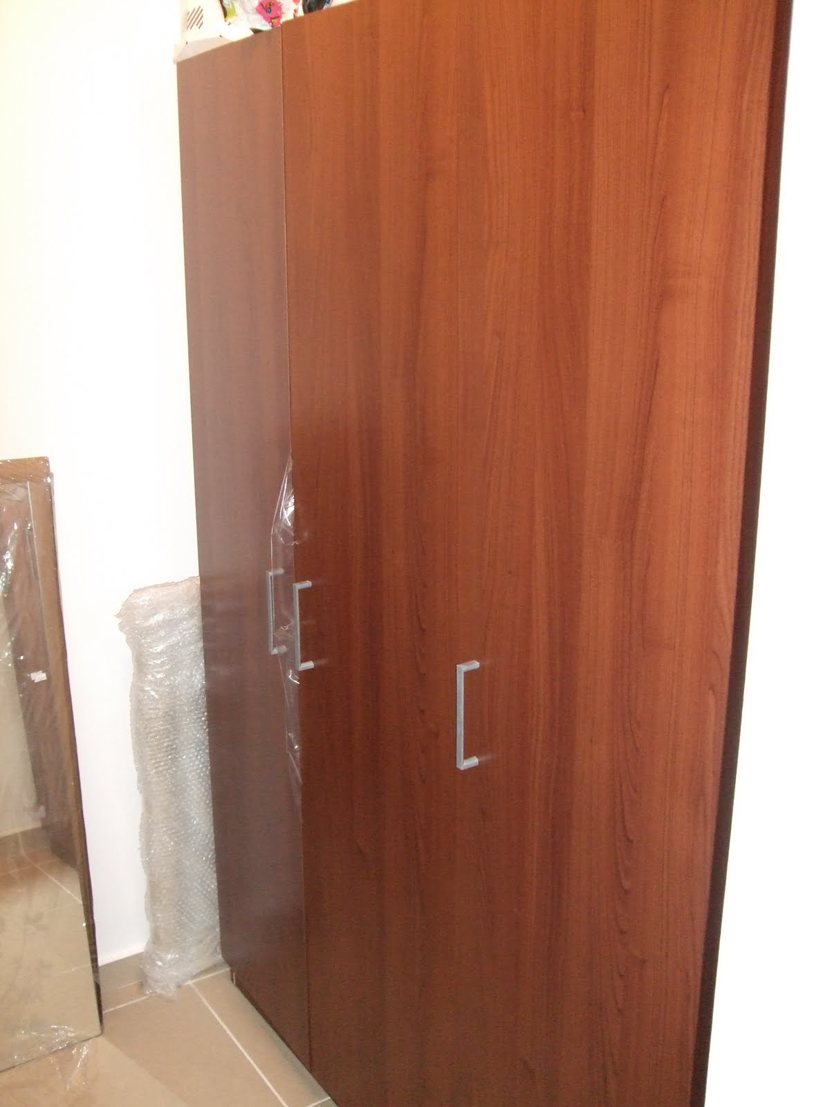 Ikea Malm Bett Mit Anderem Lattenrost ~ EVERYTHING MUST GO Ikea Dombas 3 door Wardrobe  550nis