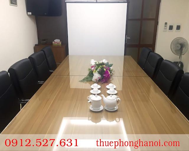 Phòng họp ghế da, được trang bị đầy đủ các trang thiết bị hiện đại