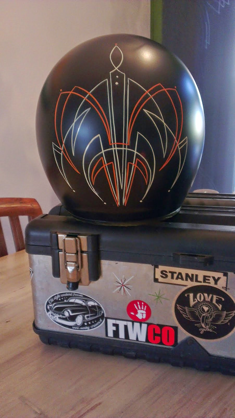Helm pinstriping