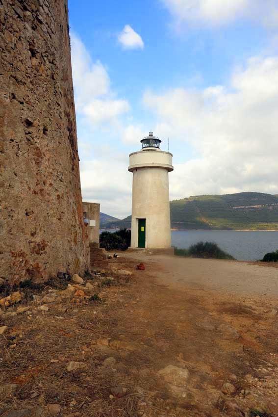Le phare de Porto Conte construit en 1919