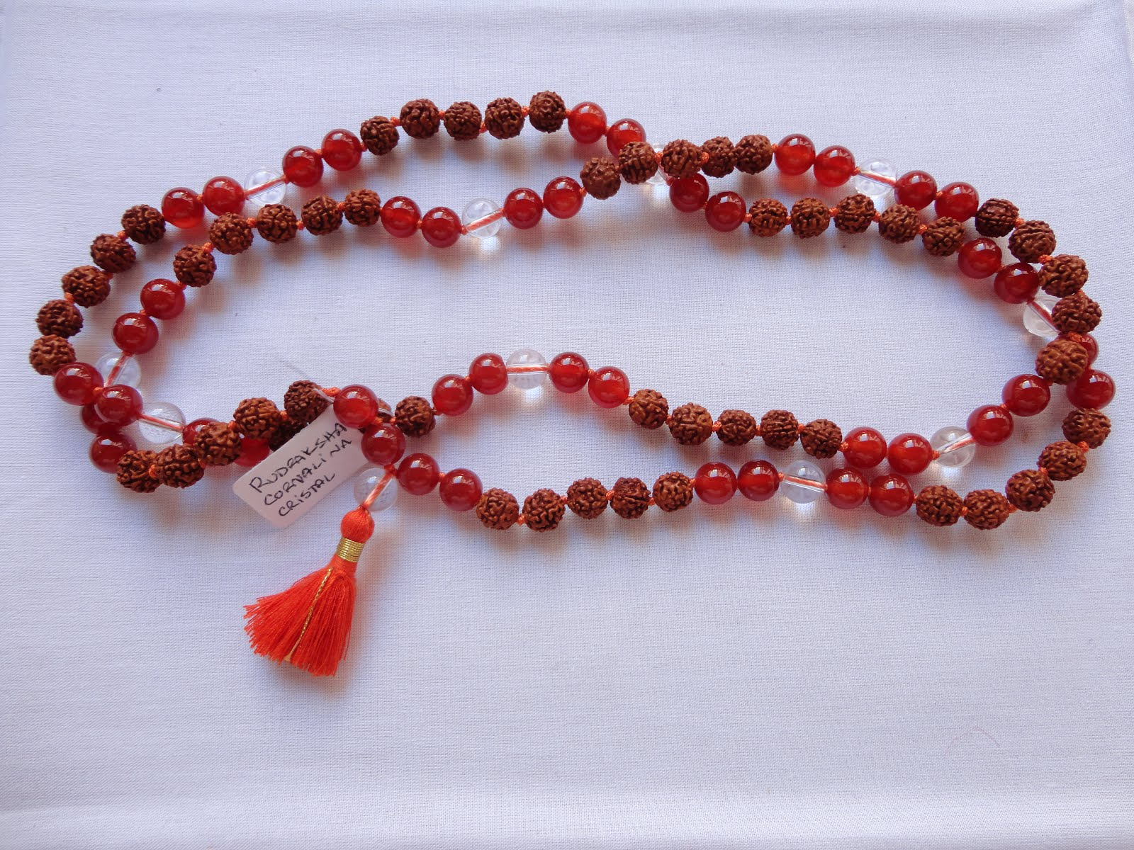 Japamala de Rudraksha, Cornalina y Sphatika