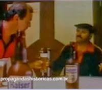 """Propaganda com o """"Baixinho da Kaiser"""" em 1989. Ícone da cervejaria."""