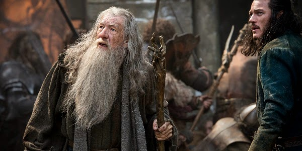 Ian McKellen e Luke Evans em O HOBBIT: A BATALHA DOS CINCO EXÉRCITOS (The Hobbit: The Battle of the Five Armies)
