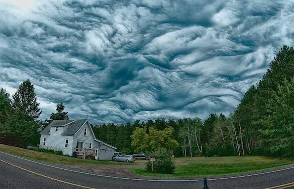Nuvens Undulatus Asperatus