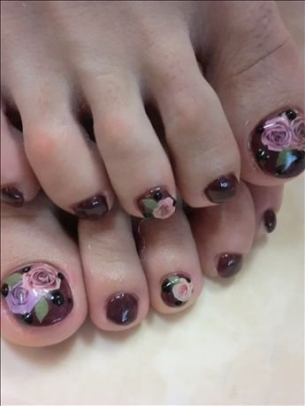 New-Season-Pedicure-Nail-Art-Ideas-7