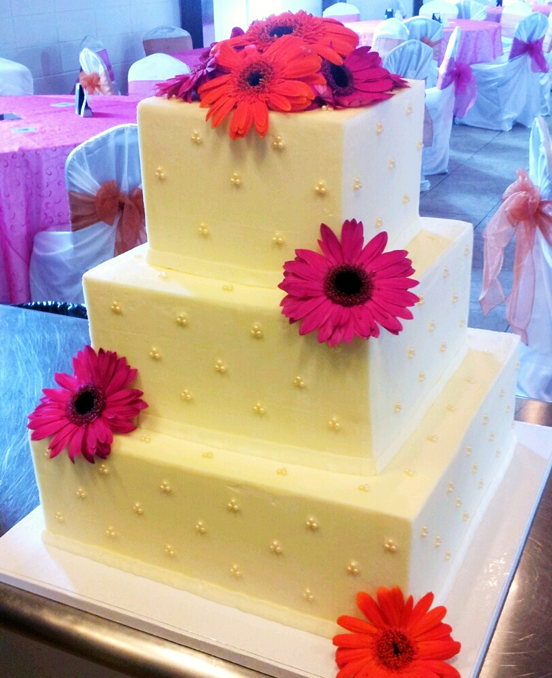 Suzy\'s Sweet Shoppe: Square Wedding Cake