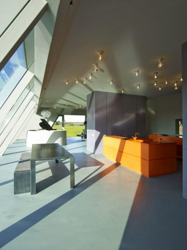Desain Rumah Kaca Modern Model Piramid