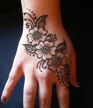 Una forma diferente de expresar el arte for Henna para manos
