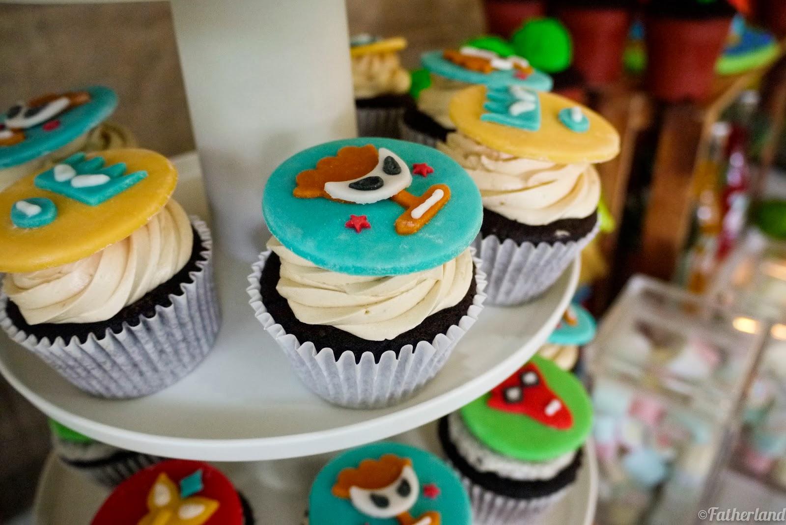 luchador cupcakes