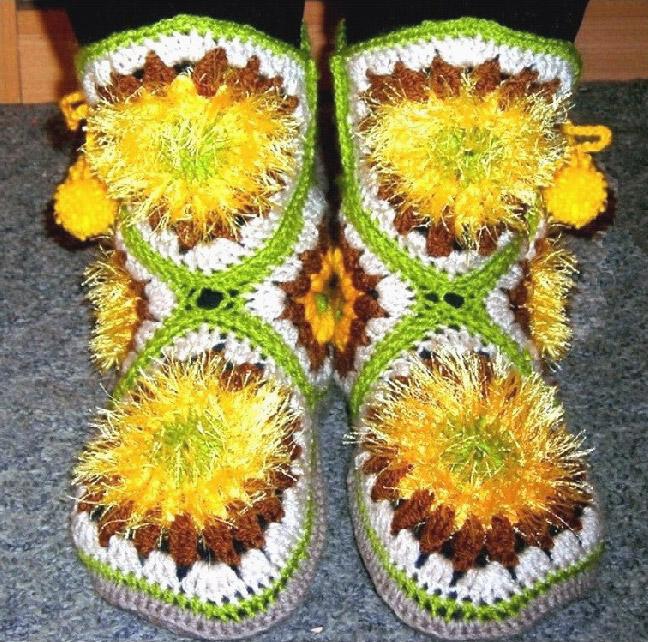 Вязаные сапожки. Boots - crocheted