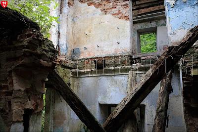 жестокая разруха в бывшем поместье Хрептовичей