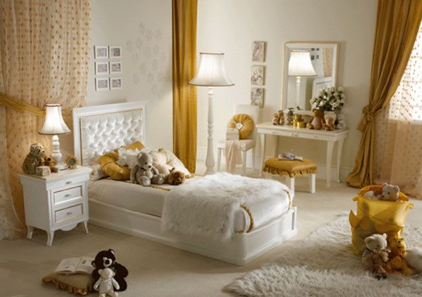 A touch of Luxe: Romantic girl's bedroom