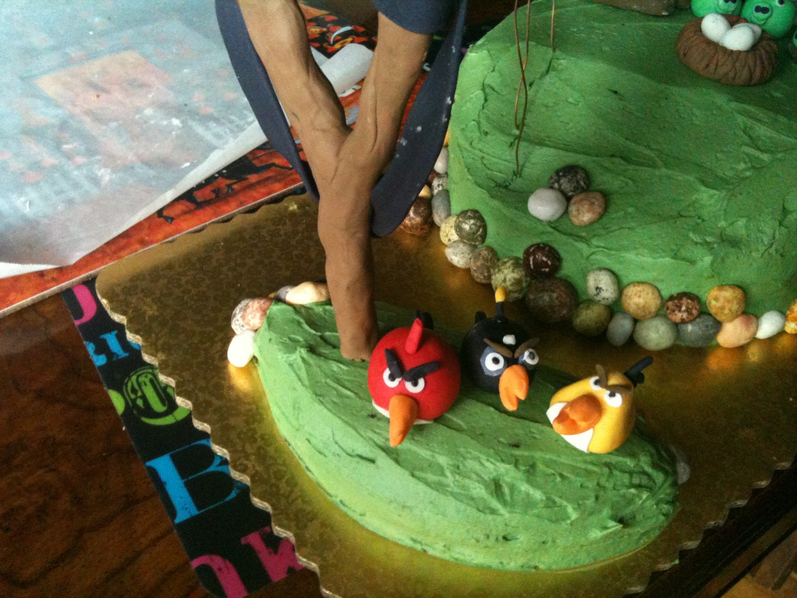 7 Year Old Birthday Cakes http://bumblingbuddingbaker.blogspot.com/2012/04/7-year-olds-birthday-cake.html