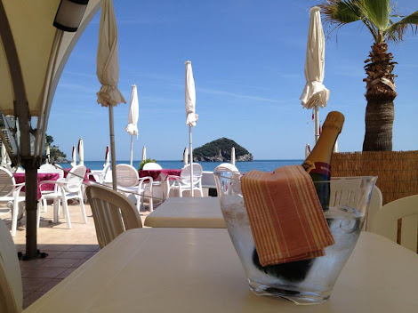 Il Sugarello, Trattoria sul mare