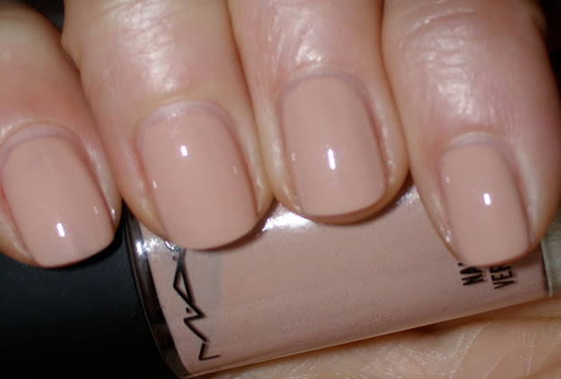 acrylic nails 'bogan'
