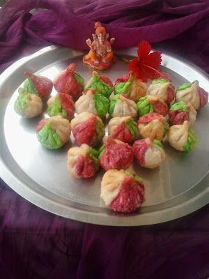 Tirangi modak tricolour fried tallele crisp modak for for Canape fillings indian