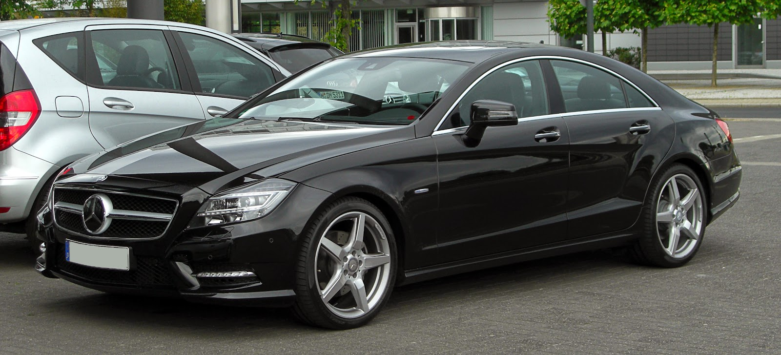 Mercedes-Benz CLS-Class (4-door coupé)