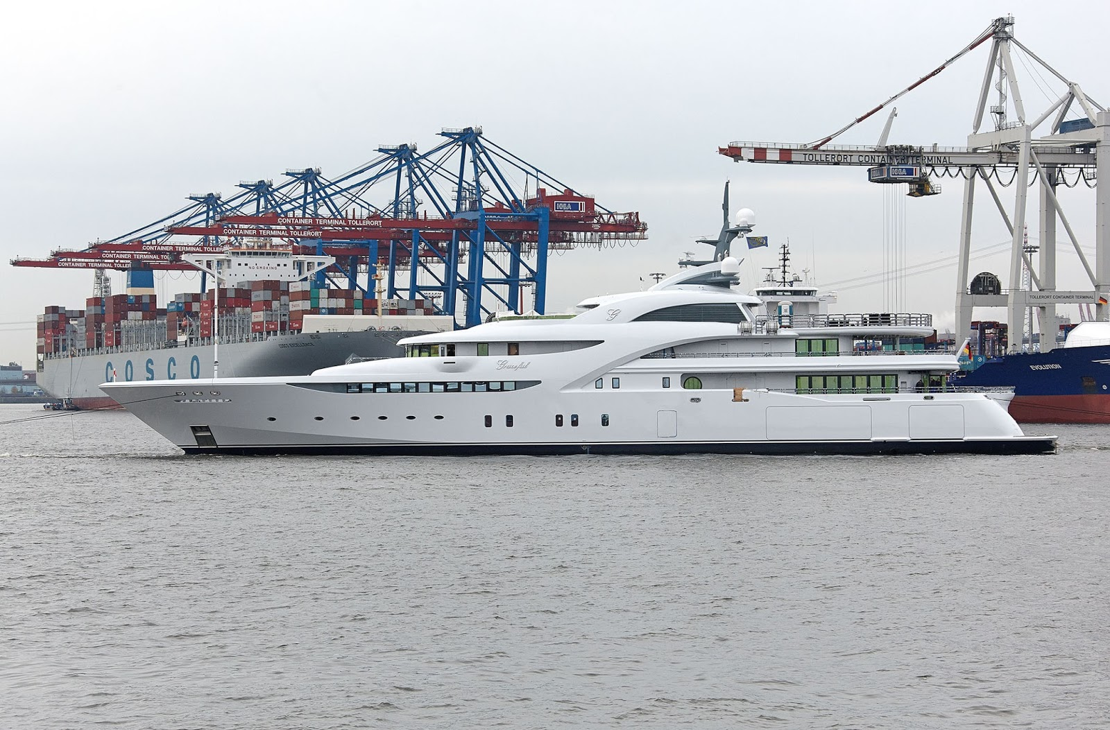 Superyacht GRACEFUL Port Side