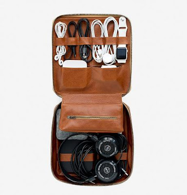 Travel Gadgets To Make Your Journey Comfortable - Tech Dopp Kit