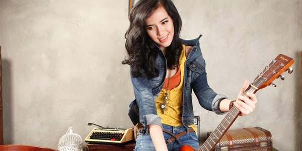 Foto & Biografi Tiara Zulfa Penyanyi Lagu Asik Asik Aja
