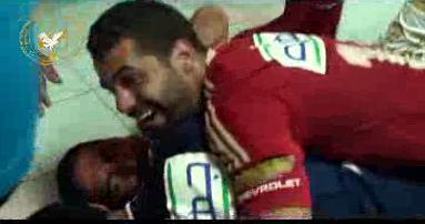 احتفال لاعب الاهلي محمد ابو تريكة